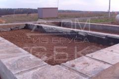 monolitnyj-lentochnyj-fundament-dlja-derevjannogo-doma-iz-brusa-11