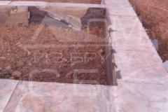 monolitnyj-lentochnyj-fundament-dlja-derevjannogo-doma-iz-brusa-7