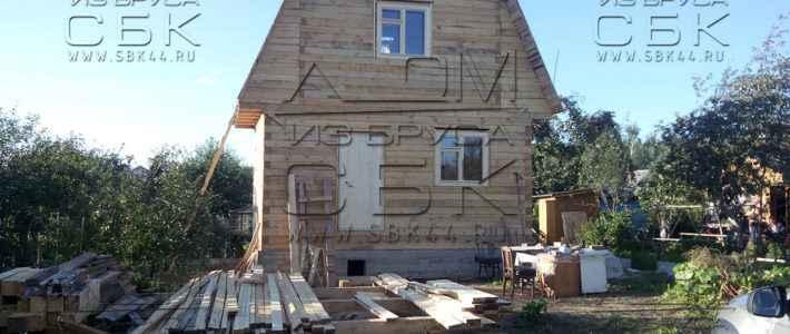 Двухэтажный дачный дом из бруса 6х4 с ломаной крышей (часть 10)