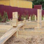 Дом из профилированного бруса 8 х 8,5 фундамент - опалубка стойки