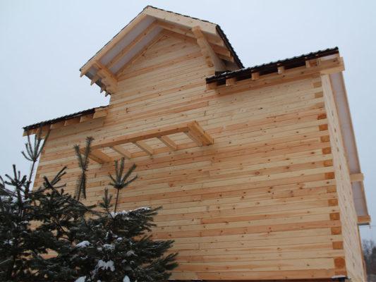 Дом 8,5 х 9 м с балконом из профилированного бруса г. Таруса (Калужская обл.)