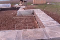 monolitnyj-lentochnyj-fundament-dlja-derevjannogo-doma-iz-brusa-5