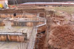 monolitnyj-plitno-lentochnyj-fundament-dlja-derevjannogo-doma-iz-brusa-10