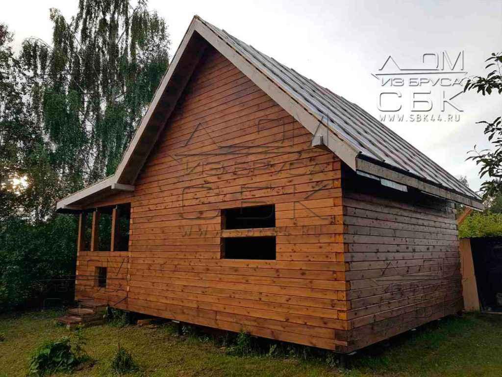Дом из профилированного бруса с террасой