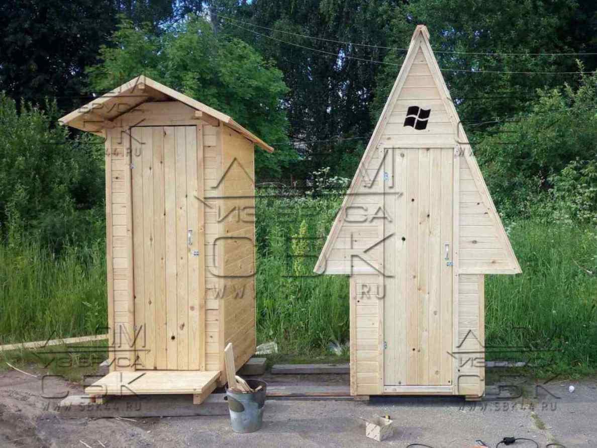 деревянный туалет на дачу обшит блокхаусом 9