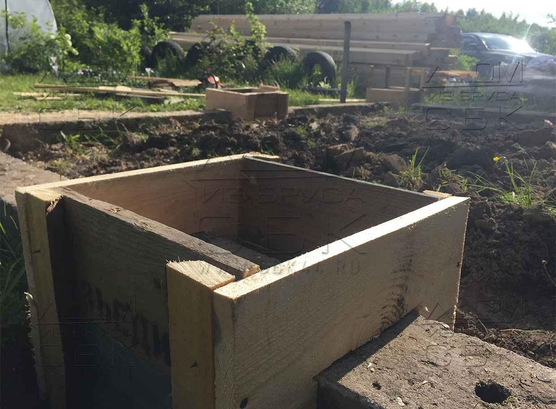 столбчатый фундамент под дачный домик из бруса