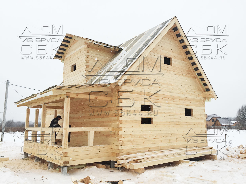 Дом 9 на 6 из профилированного бруса - фронтоны из бруса