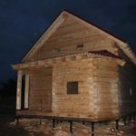 Главный фасад ночью - Дом из профилированного бруса 195х145 с эркером Чернопенье